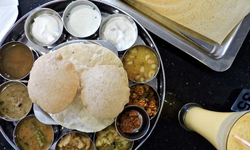 saravanaa_bhavan_mooncake