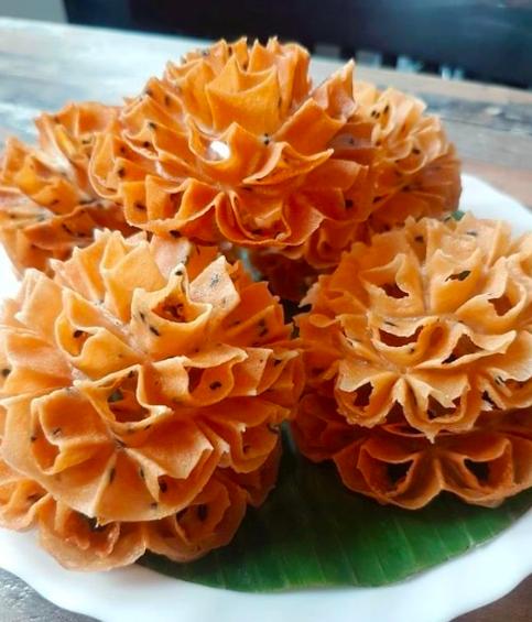 Cambodjaanse_bloemkoek_mooncake.nl