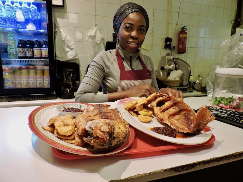 nigeriaans_eethuis_obalade_suya_amsterdam_mooncake
