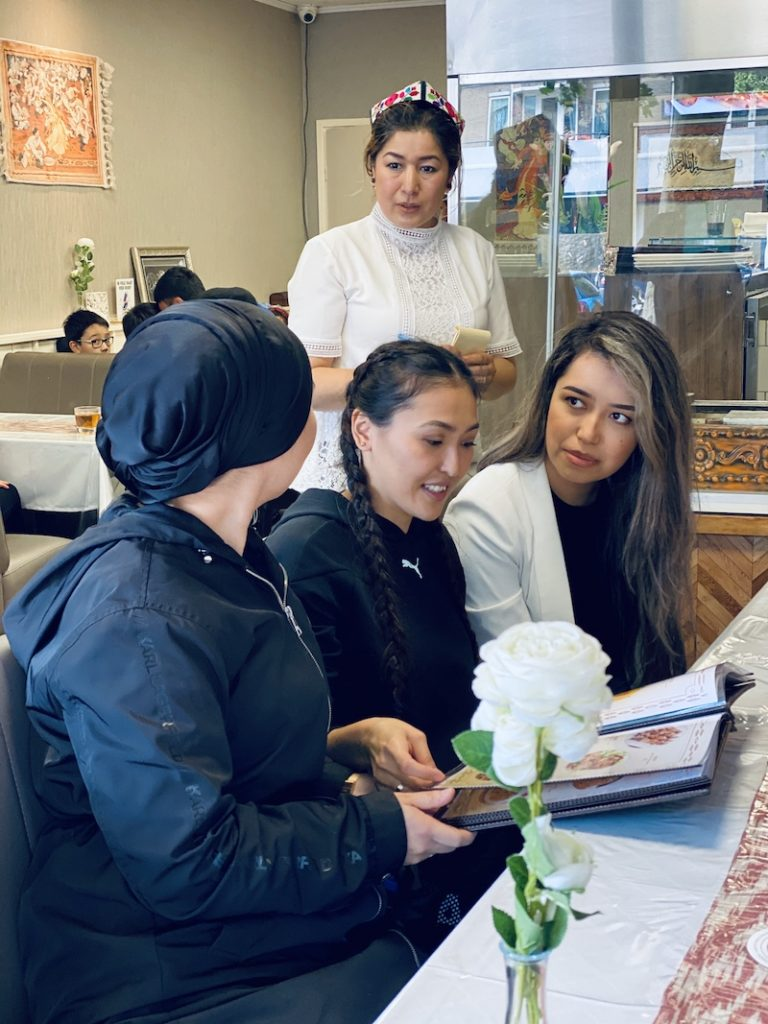 Uyghur_Restaurant_Amsterdam_Mooncake.nl