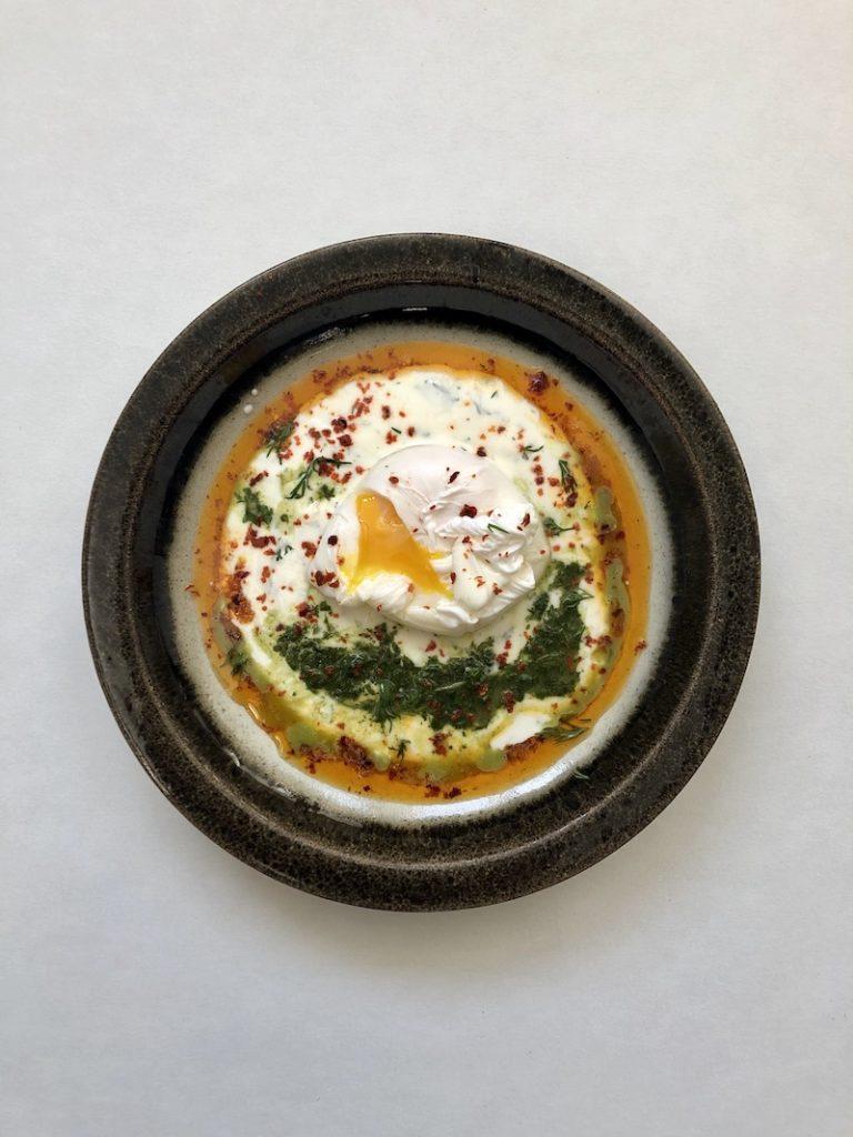 Çilbir_recept_mooncake.nl_mara_giamboi