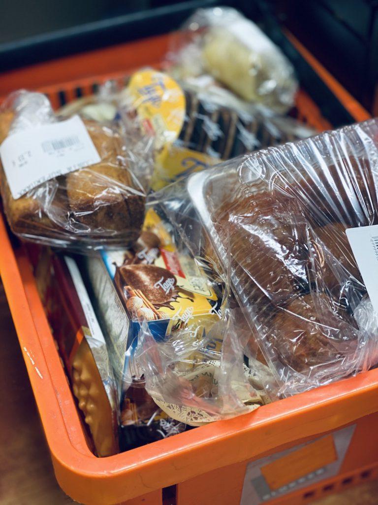 Poolse_supermarkt_Costa_amsterdam_mooncake.nl