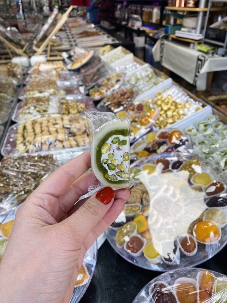 Syrian_sweets_met_mastiek_mooncake.nl